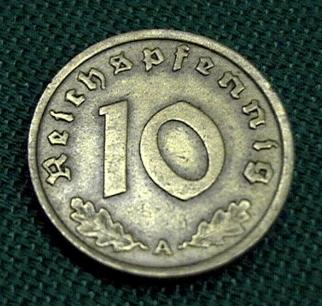 Third Reich 10 Reichspfennig bronze coin with swastika